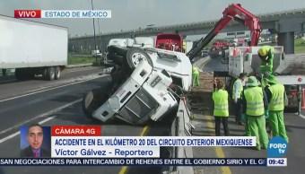 Reportan volcadura de pipa en el Circuito Exterior Mexiquense