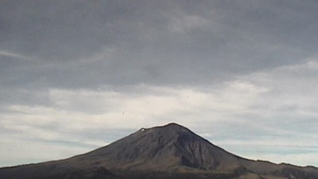 Volcán Popocatépetl emite 45 exhalaciones de baja intensidad