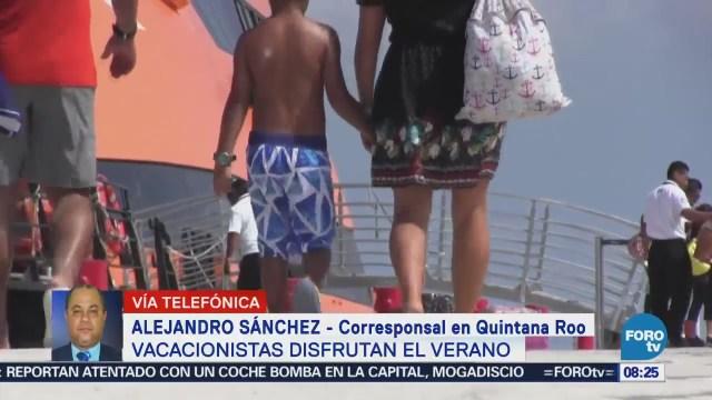 Vacacionistas Disfrutan Verano Quintana Roo
