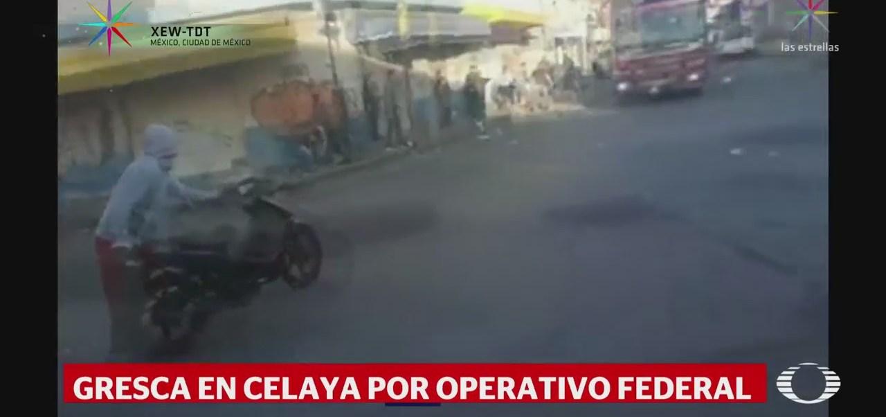 Enfrentan Locatarios Policías Mercado Celaya Guanajuato