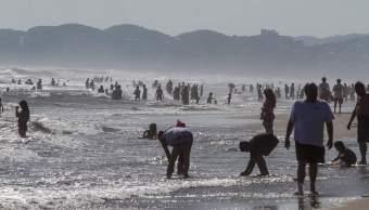 Inicia arribo de turistas playas de Acapulco, Guerro