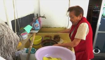 Vecinos de Neza reciben agua contaminada