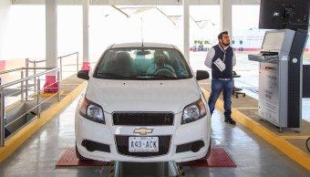 Automovilistas denuncian fallas en sistema de verificación