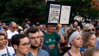 Banderas Casa Blanca ondearán a media asta por matanza en diario