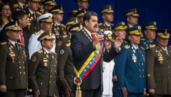 Desalojan a Nicolás Maduro por un estallido durante evento oficial