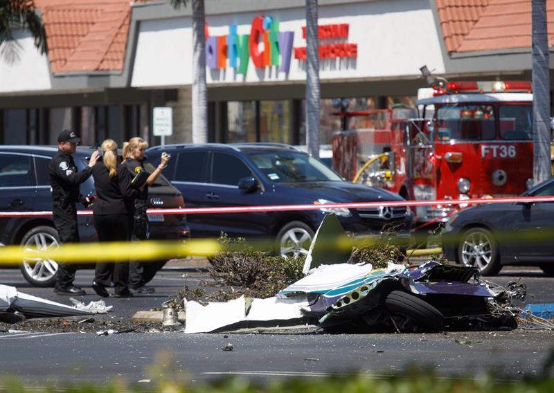 Desplome de avioneta deja 5 muertos en California, EU