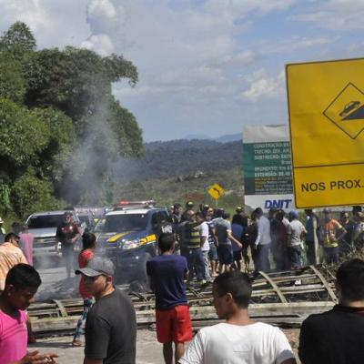 Expulsan a refugiados venezolanos y queman sus objetos en Brasil