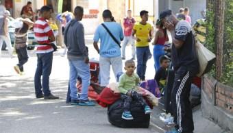 venezolanos sin pasaporte frenan arribo peru