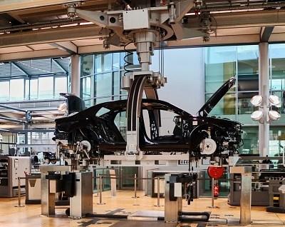 México presenta propuesta sobre reglas origen de autos en TLCAN