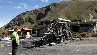 Accidente de autobús en Ecuador deja 24 muertos