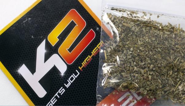 Alertan por sobredosis masiva al consumir cannabis sintético