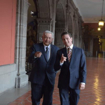 López Obrador y Peña Nieto hablan de la transición en Palacio Nacional