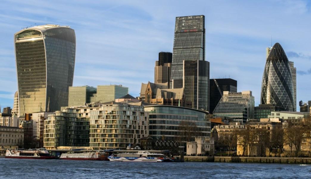Ante Brexit, capitales dejan la City de Londres
