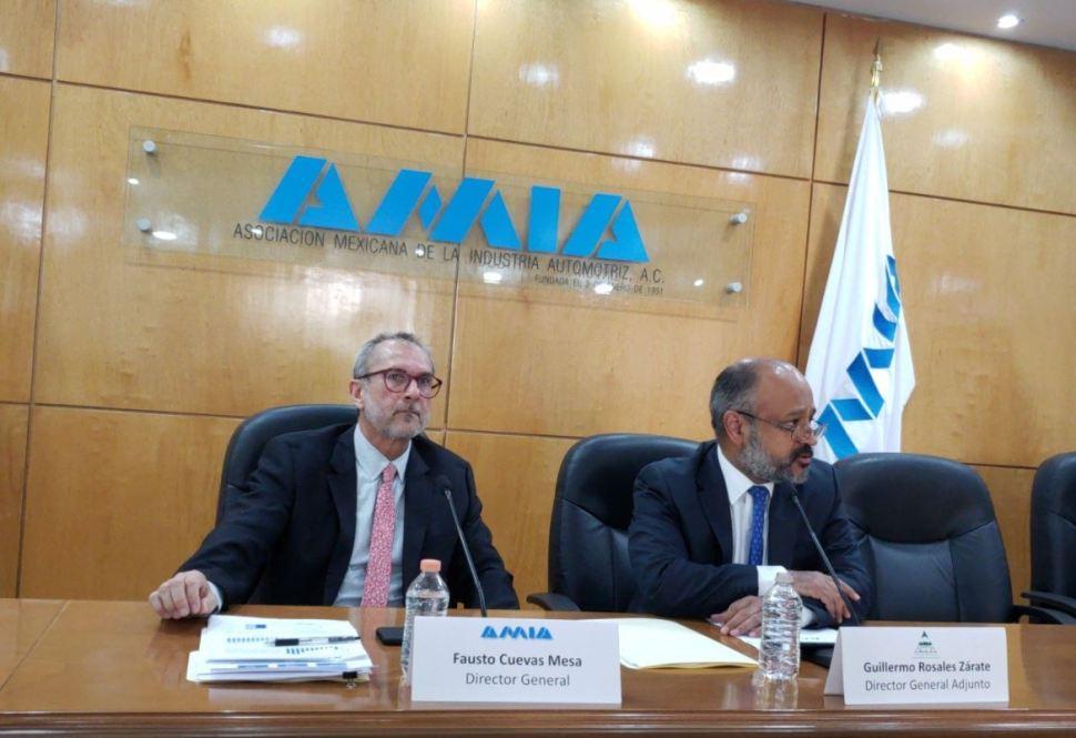 Avanza tema de reglas de origen de autos en TLCAN Guajardo II