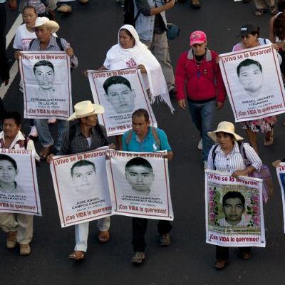 Será reabierta la investigación sobre desaparición de estudiantes de Ayotzinapa: Encinas
