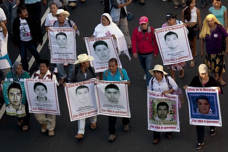Ayotzinapa: Reabrirán caso de estudiantes desaparecidos