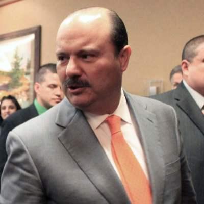 Denuncian a César Duarte y a 42 exfuncionarios por desvío de seis mmdp