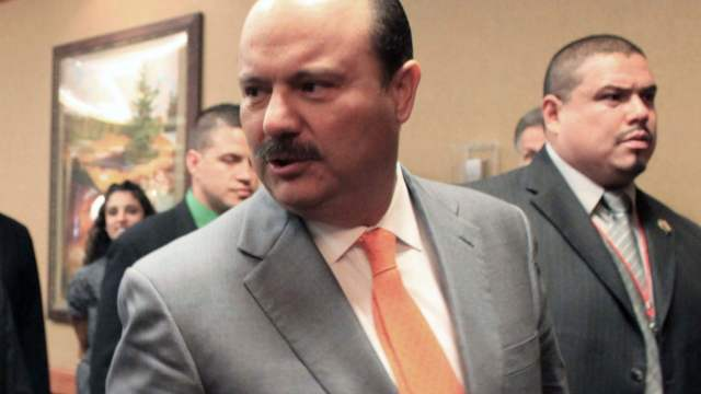 Denuncian César Duarte 42 exfuncionarios por desvío dinero