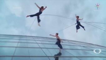 Compañía Danza Realiza Coreografías Fachadas Edificios