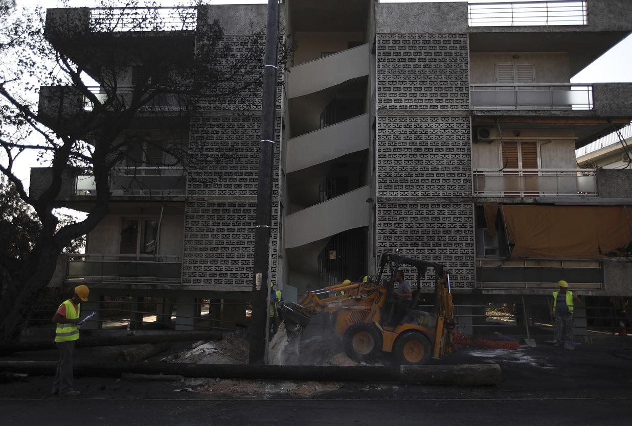 Grecia derribará edificios tras incendios forestales