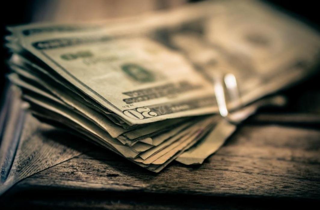 Dólar se dispara ante caída de lira en Turquía; se vende en 19.35 pesos en la CDMX