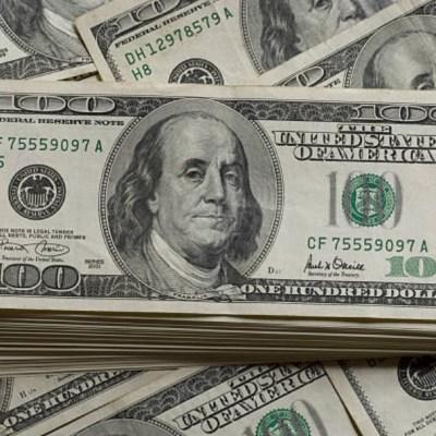 Dólar se vende en 18.81 pesos en bancos de la CDMX