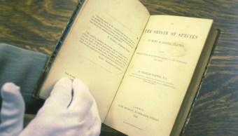 Primera edición de 'El origen de las especies', de Charles Darwin, vendida en México, en más de 5 mdp
