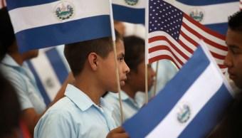 Inmigrantes de El Salvador celebran día del salvadoreño USA