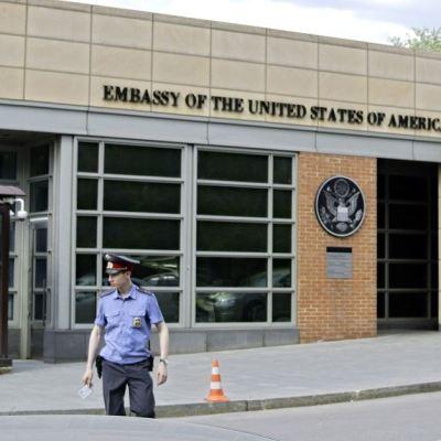 Espía rusa trabajó durante años en embajada de EU, según The Guardian