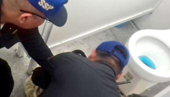 Abandonan a bebé en baños del Metro Cuatro Caminos, CDMX