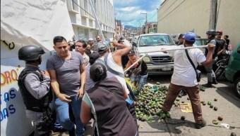 Mercado de Morelia, escenario de pelea entre policías y ambulantes