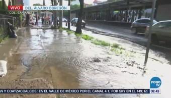 Fuga de agua afecta tránsito de avenida Insurgentes Sur