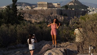 Grecia sale de rescate económico, decretan Día de Liberación