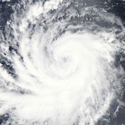 Hawai en alerta por fuerza del huracán 'Lane'