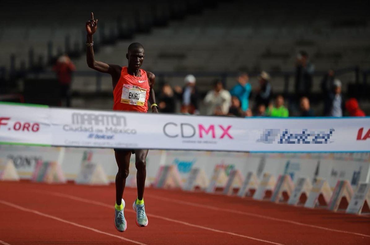 Etaferahu Woda Temesgen dominó la rama femenil del Maratón de la CDMX