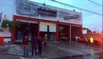 Incendio en Guadalajara hoy causa desalojo de viviendas