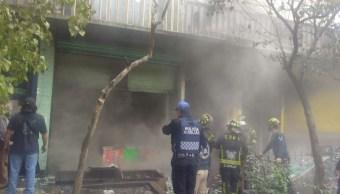 Un incendio en un local de La Merced deja 3 muertos en CDMX