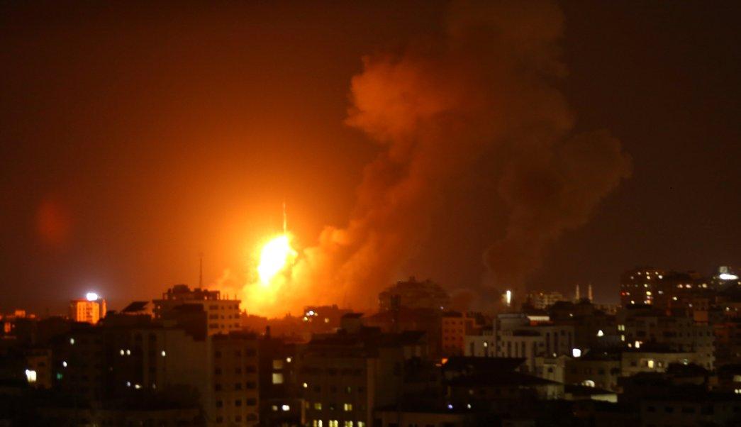 Israel bombardea Gaza en respuesta a misiles de Hamas