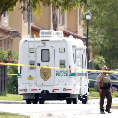 Juez de Florida se suicida tras tomar rehenes y atrincherarse en su casa