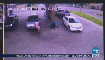 Niña salta de camioneta robada en Detroit, Estados Unidos