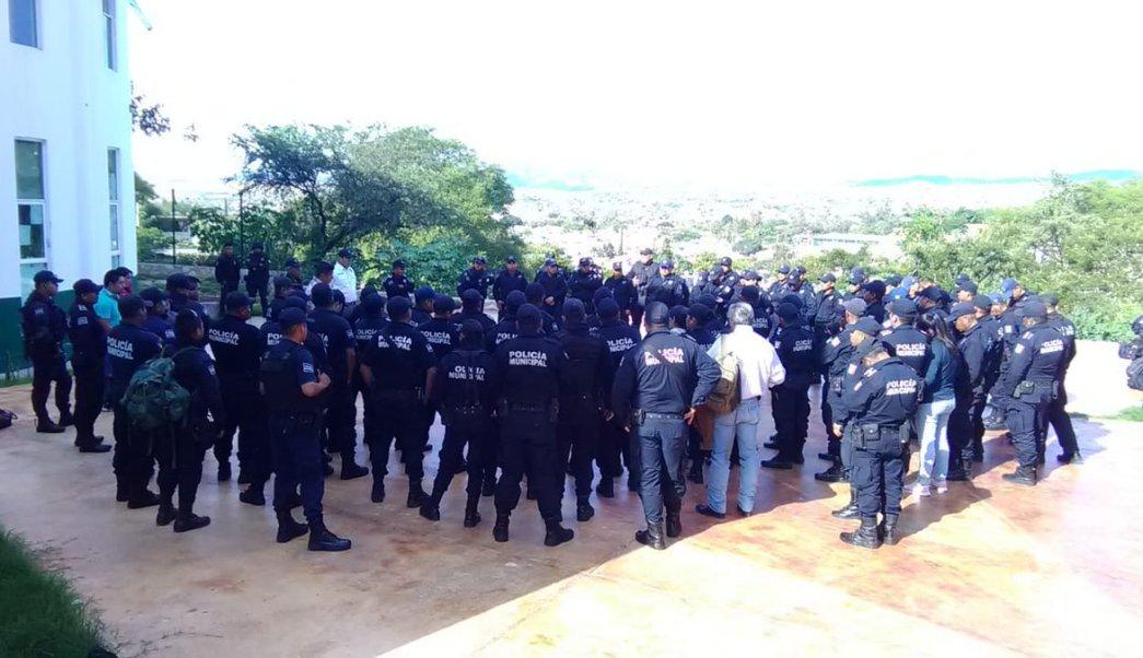 Policías de Huajuapan de León, Oaxaca, paran labores