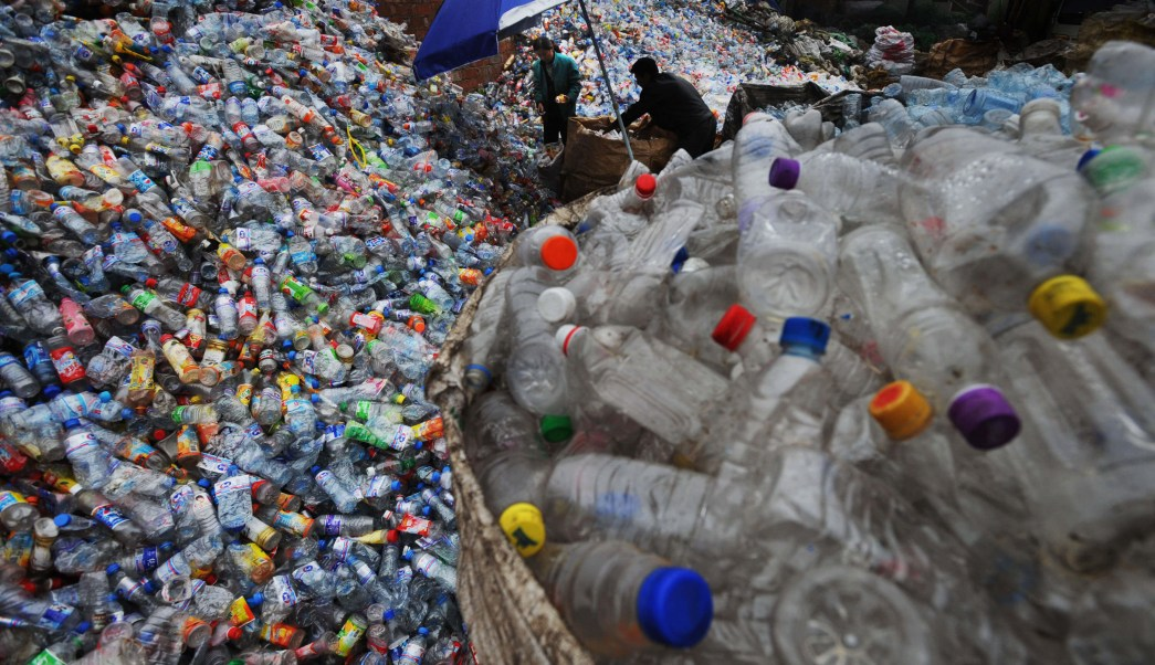 Revelan que plásticos emiten gases efecto invernadero