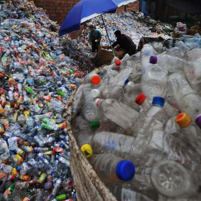 Revelan que plásticos degradables emiten gases de efecto invernadero