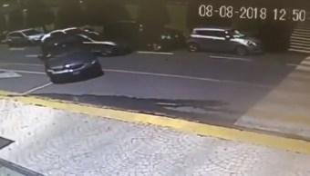 Cámaras de videovigilancia captan robo en Interlomas