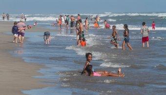 acapulco capta 50 del turismo que visita guerrero