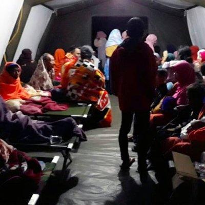 Indonesia desaloja a 900 turistas de islas cercanas a Lombok tras sismo