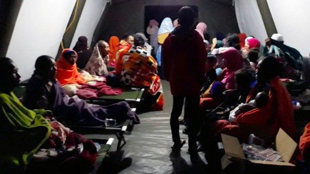 indonesia desaloja 900 turistas islas cercanas lombok sismo