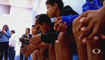 Segunda generación de niños triquis basquetbolistas juega