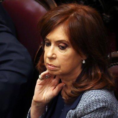 Senado argentino aprueba allanar residencias de Cristina Fernández
