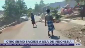 Sismo de 6.9 provoca la muerte de 10 personas en la isla 'Lombok', Indonesia